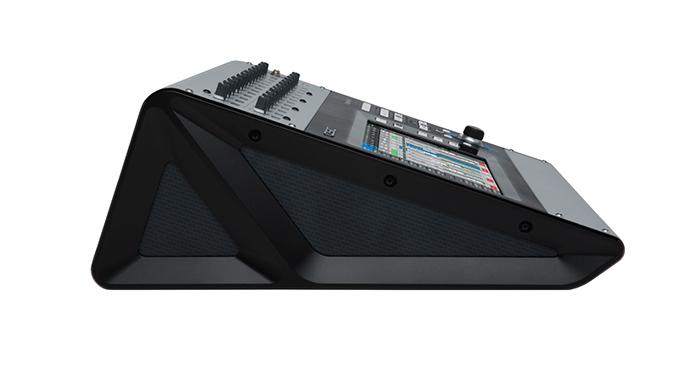qsc-touchmix-30pro-2